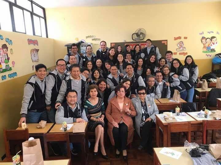 Colegio Diez de Octubre Peru reunion